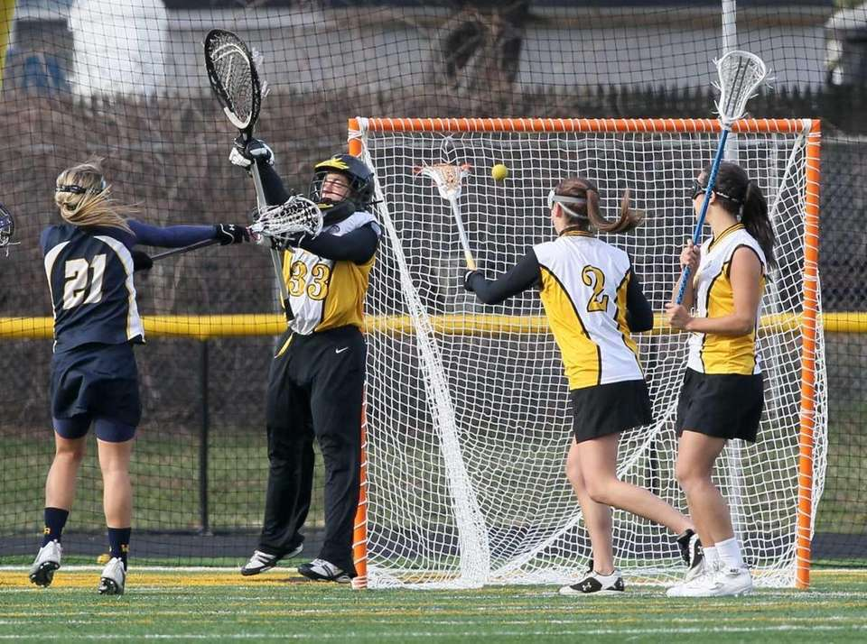 Christina Esposito #21 of West Babylon scores a