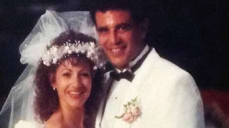 Diane Dellacroce-Rodriguez and Ivan Rodriguez on their wedding