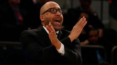 Knicks head coach David Fizdale reacts against the