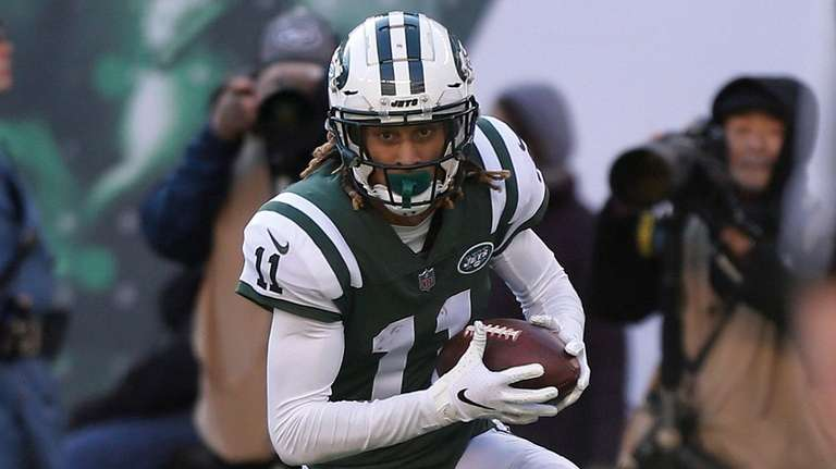 Robby Anderson of the Jets runs a reception