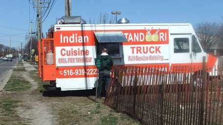 Tandoori Truck parked just south of Ruland Road