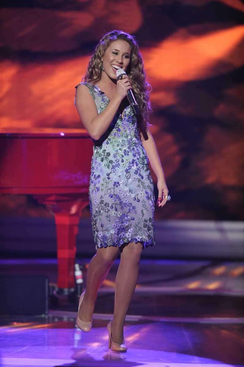 Haley Reinhart performs Elton John's