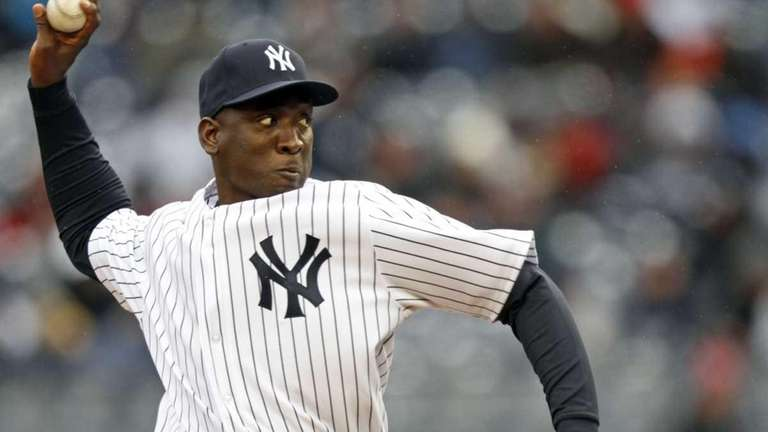 Yankees reliever Rafael Soriano pitches against the Tigers