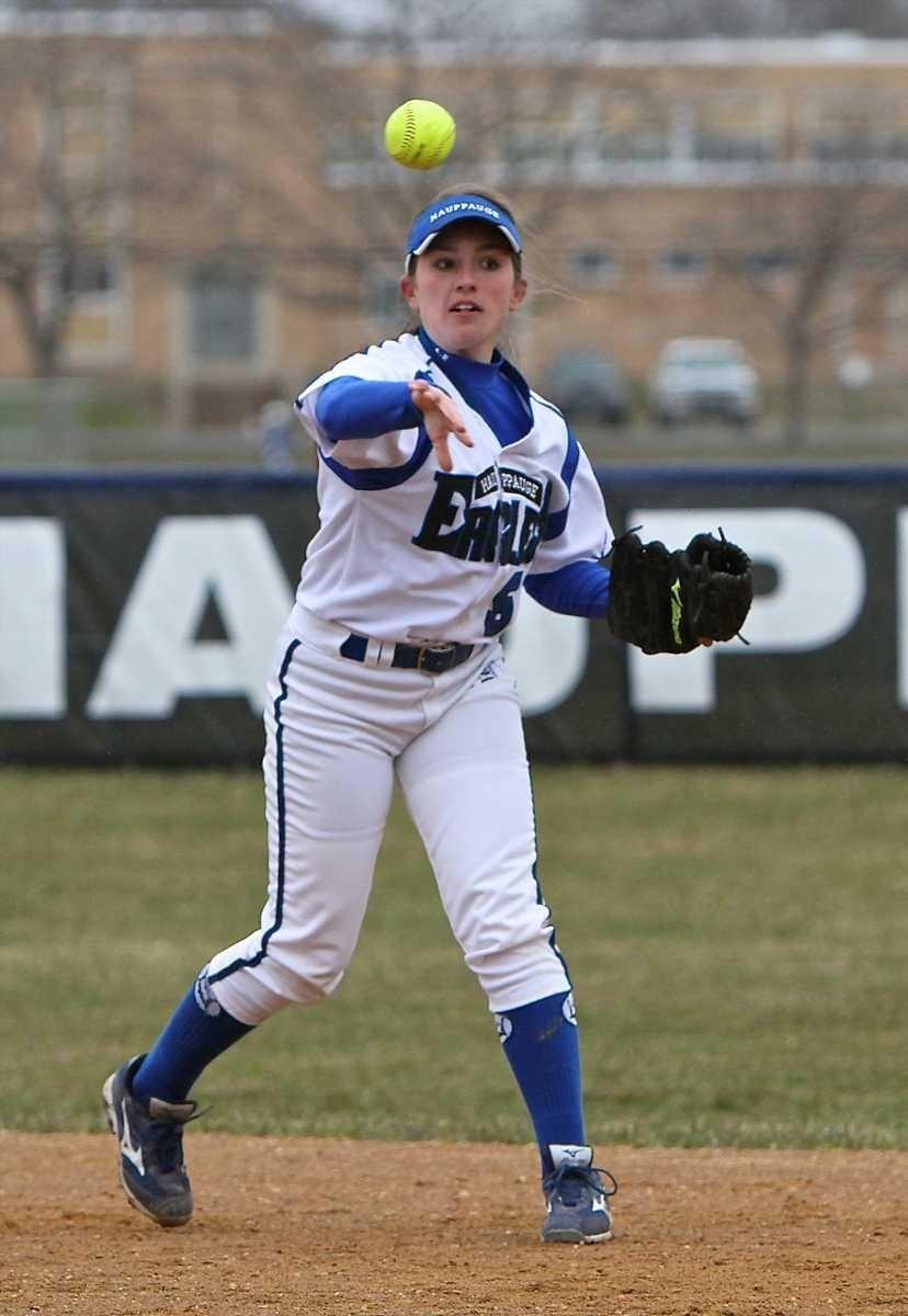 Hauppauge second baseman Julia McNeill plays the ground