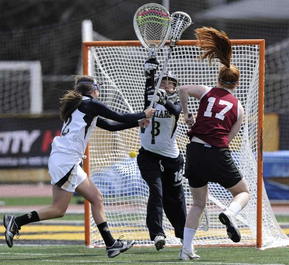 Garden City's Barbara Sullivan scores on St. Anthony's