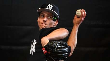 Yankees Pitcher Danny Farquhar throws a bullpen session