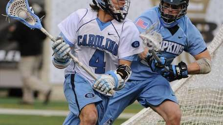 North Carolina attackman Billy Bitter rounds the crease