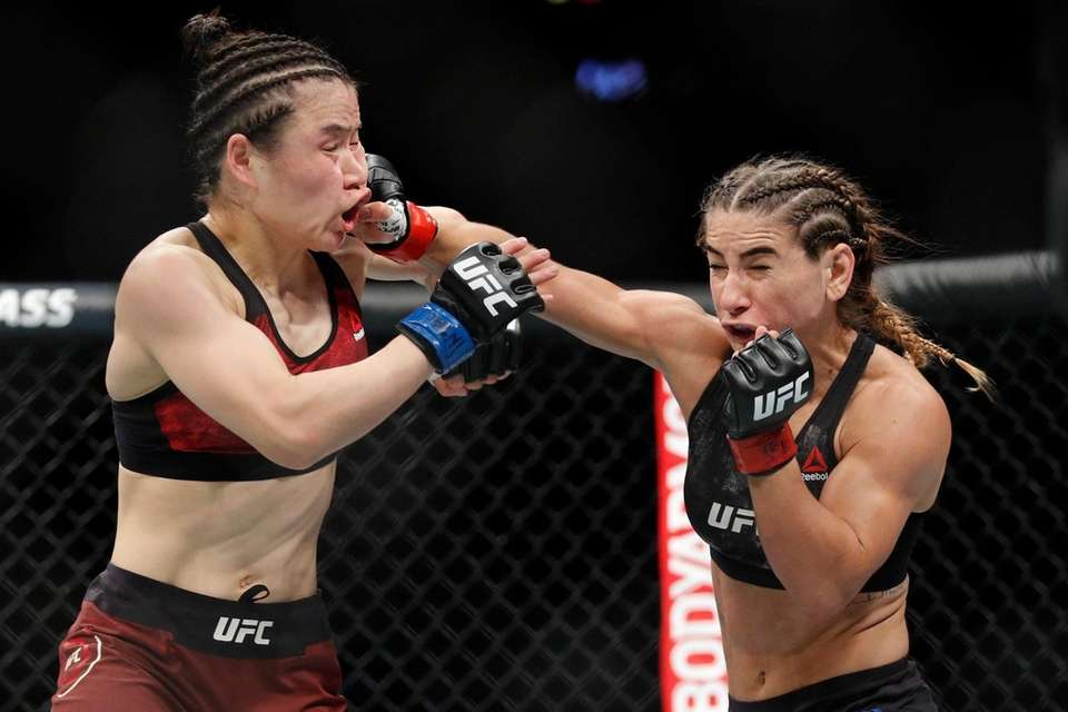 Tecia Torres lands a right to Weili Zhang