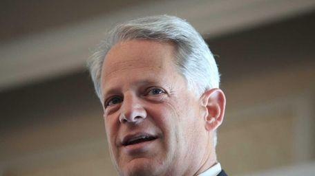 Congressman Steve Israel speaks to members of the