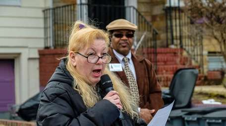 Tina Alfano addresses community leaders and local residents