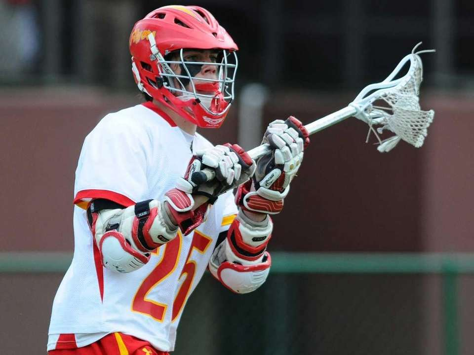 Chaminade High School attack #25 Matthew Kavanagh looks