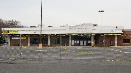 North Babylon Plaza at 1251 Deer Park Ave.