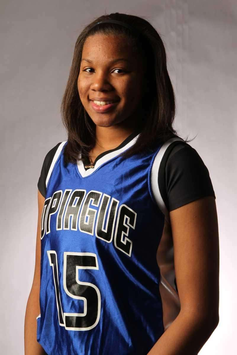 CHELSEA WILLIAMS Copiague, Guard, Sr. Williams averaged 20.5
