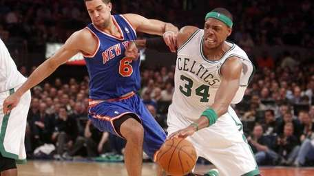 Landry Fields and the Knicks will face Paul