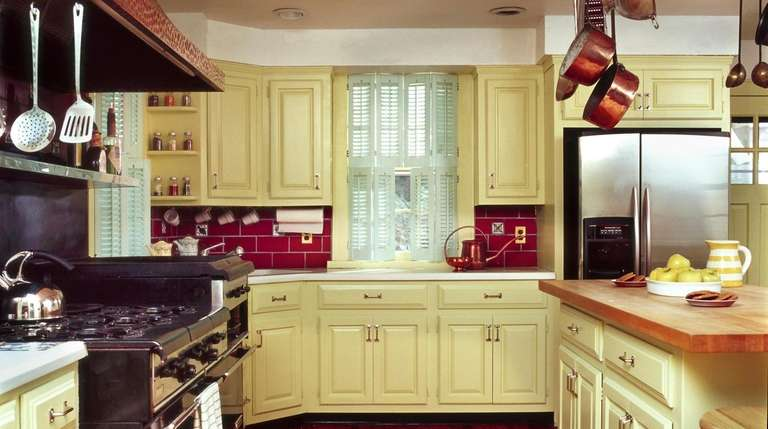 """The Grubmans' kitchen after the """"Trading Spaces"""" makeover."""