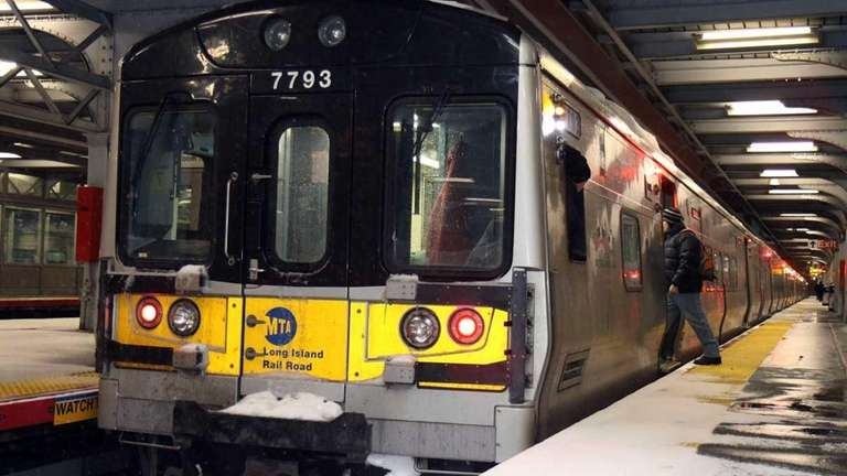 A train arrives at the LIRR Jamaica Station