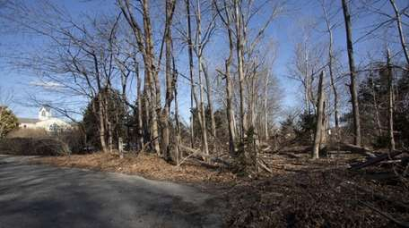 Brookhaven is eliminating Hallocks Lane, a paper road