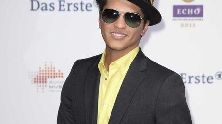 Bruno Mars arrives for the Echo award 2011
