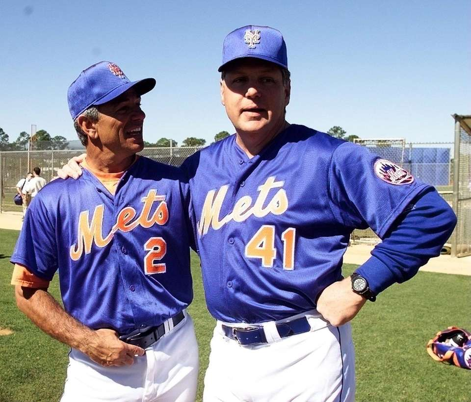 Mets manager Bobby Valentine greets Tom Seaver at