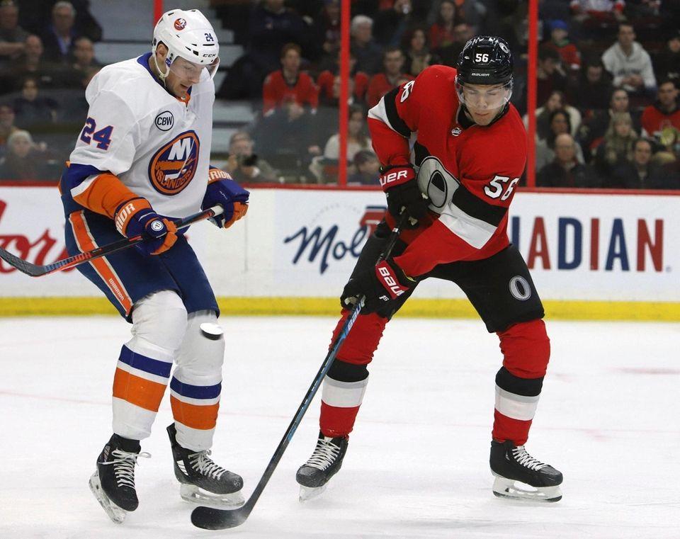 New York Islanders defenceman Scott Mayfield blocks a