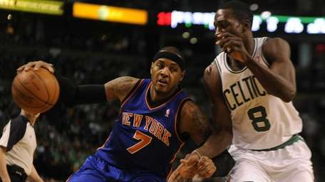 New York Knicks Carmelo Anthony dealing against the