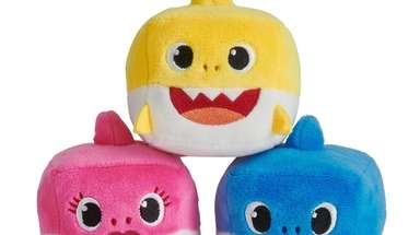 Cubed stackable plushies that when squeezed sing the