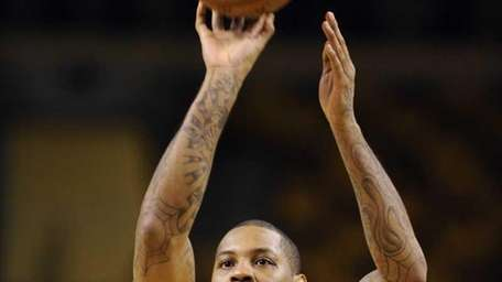 Carmelo Anthony works on his jump shot at