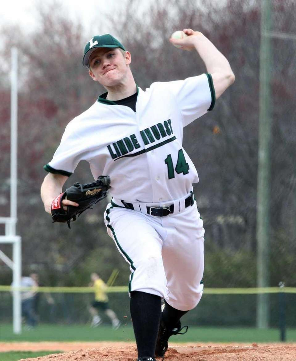 Lindenhurst's Rich Vrana delivers a pitch against Sachem