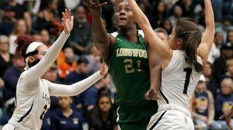 Longwoods Nyia Longford splits the Baldwin defense for
