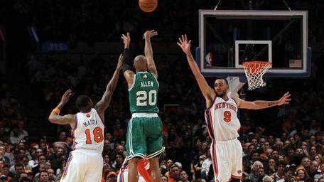 Ray Allen (20) of the Boston Celtics shoots