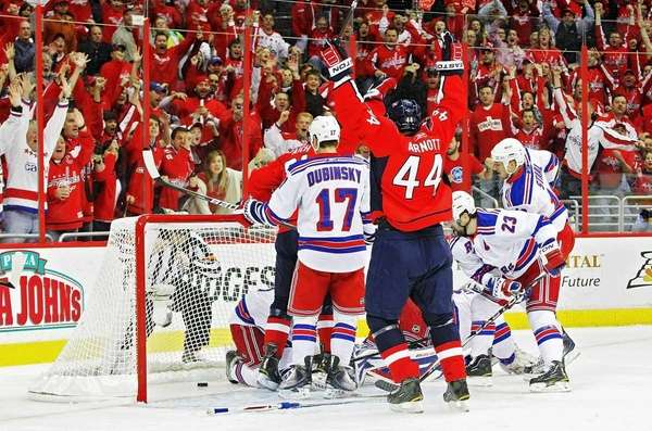Jason Arnott #44 of the Washington Capitals celebrates