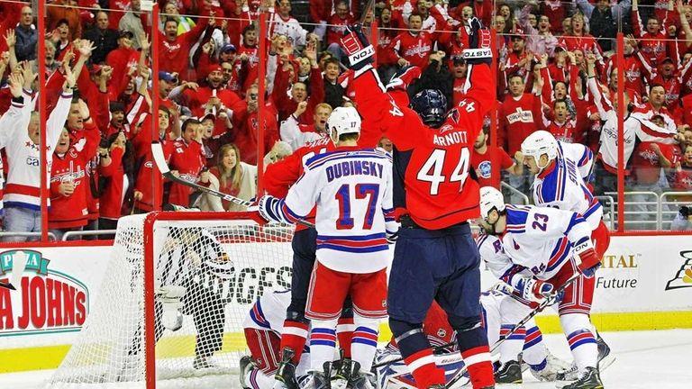 Jason Arnott #44 of the Washington Capitals celebrates