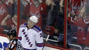 New York Rangers center Derek Stepan (21) reacts