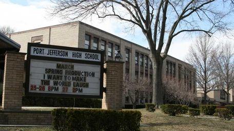 Earl L. Vandermeulen High School is at 550