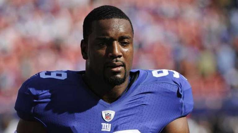 New York Giants defensive end Chris Canty before