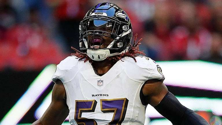 C.J. Mosley reacts after a defensive stop against