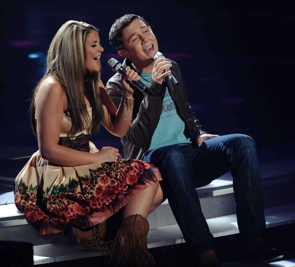 Lauren Alaina and Scotty McCreery perform Carole King's