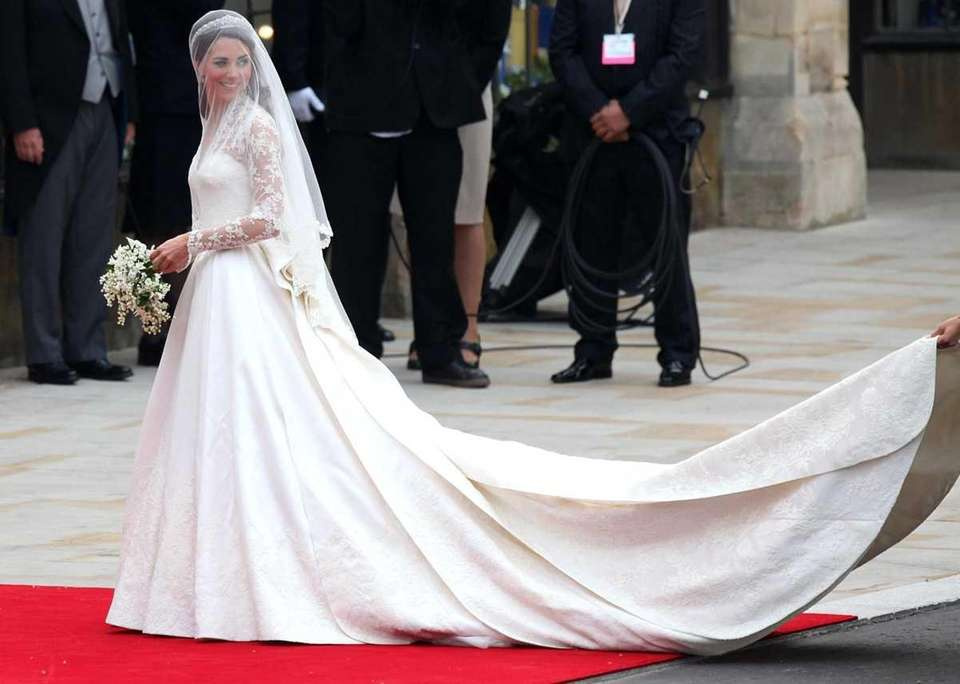 Kate Middleton arrives at Westminster Abbey ahead of