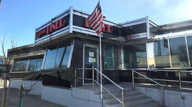 The Lynbrook Diner, one of Long Island's oldest,