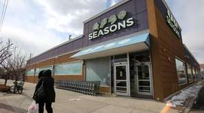 Seasons grocery store on Central Avenue in Lawrence,