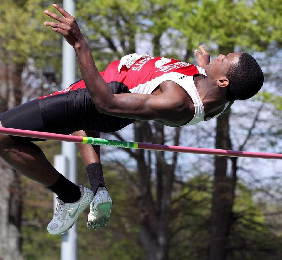 Floral Park's Justin Wilson clears 6'10