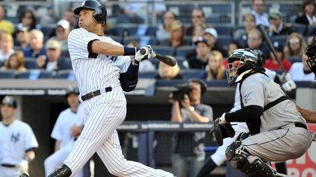 New York Yankees shortstop Derek Jeter (2) connects
