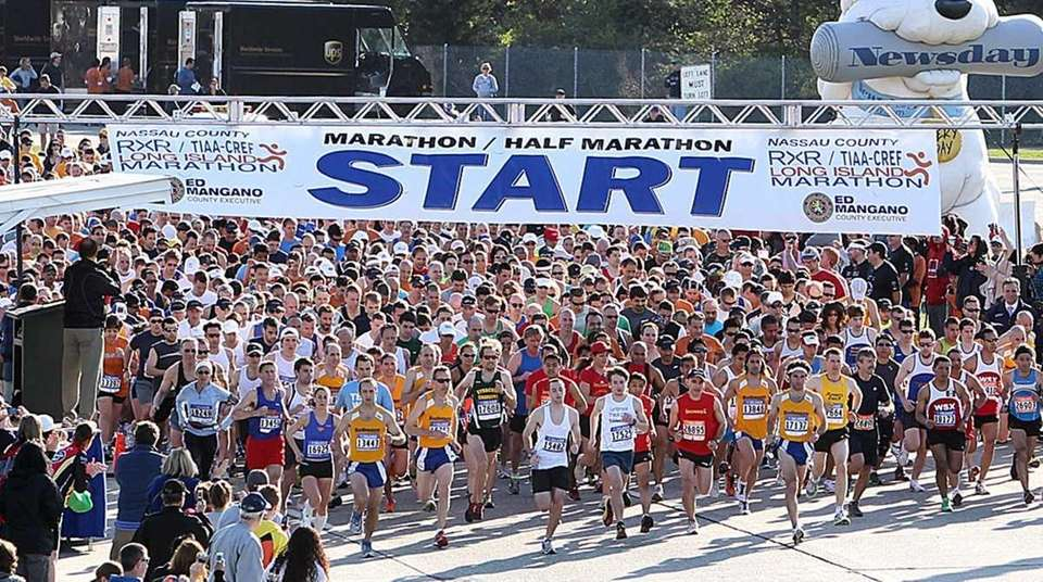 Start of the 2011 Long Island Marathon. (May