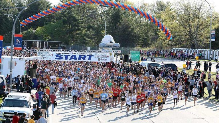 The start of the 2011 Long Island Marathon.