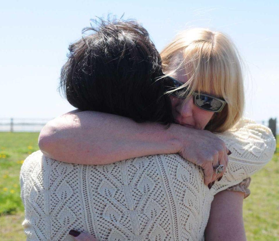Mari Gilbert, left, the mother of Shannan Gilbert,