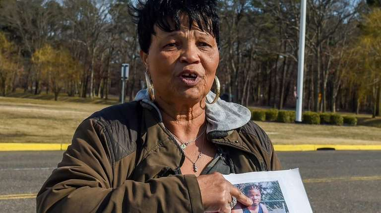 Dawn Thompson, mother of C.W. Post basketball player