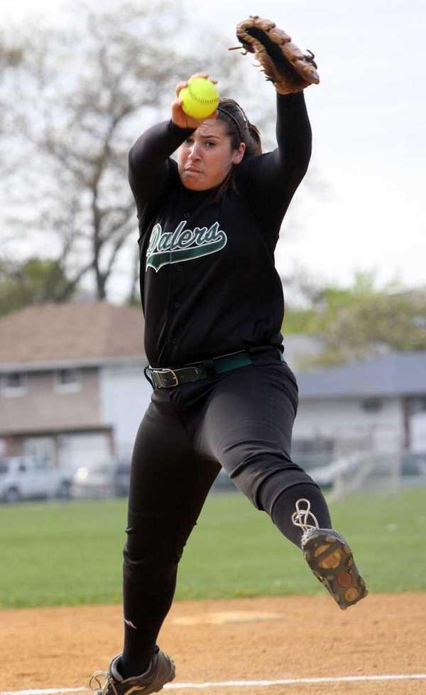 Farmingdale pitcher Isabella Corrao winds up for a