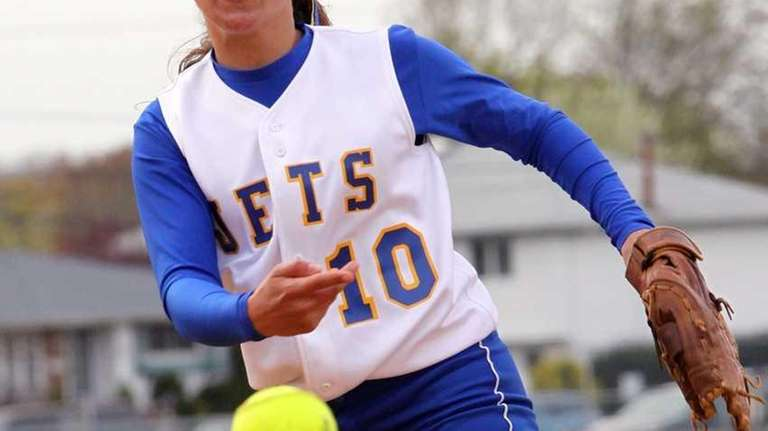 East Meadow's Amanda Carlin pitches against Farmingdale. (May
