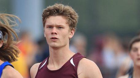 Whitman's John Poplawski wins the pentathlon 1,500 meters