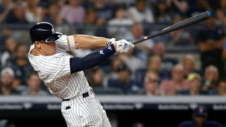 Aaron Judge  homers in the seventh inning